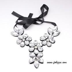 Κόσμημα με Κρύσταλλα Cabochons σε σχήμα Λουλούδι. Σε Διαφανές Μαύρο και Φωτεινό Γκρι