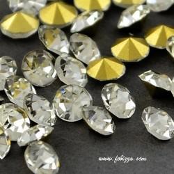 200 περίπου τεμ, 2,5 χλστ, Κρυστάλλινα Τεχνητά Διαμάντια, Πολύπλευροι Κώνοι, Επιμετάλλωση στο πίσω μέρος, Διαφανές