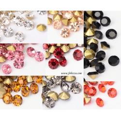200 περίπου τεμ, 2,5 χλστ, Κρυστάλλινα Τεχνητά Διαμάντια, Πολύπλευροι Κώνοι, Επιμετάλλωση στο πίσω μέρος, Μαύρο