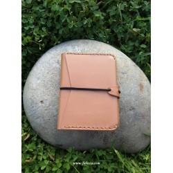 1 τεμ, 13x8 εκατ., Δερμάτινο Πορτοφόλι με Ελαστικό Κούμπωμα σε Σκούρο και Ανοιχτό Καφέ